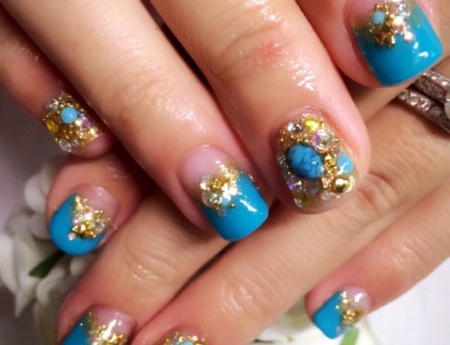 Gel Nail design : Moroccan Blue