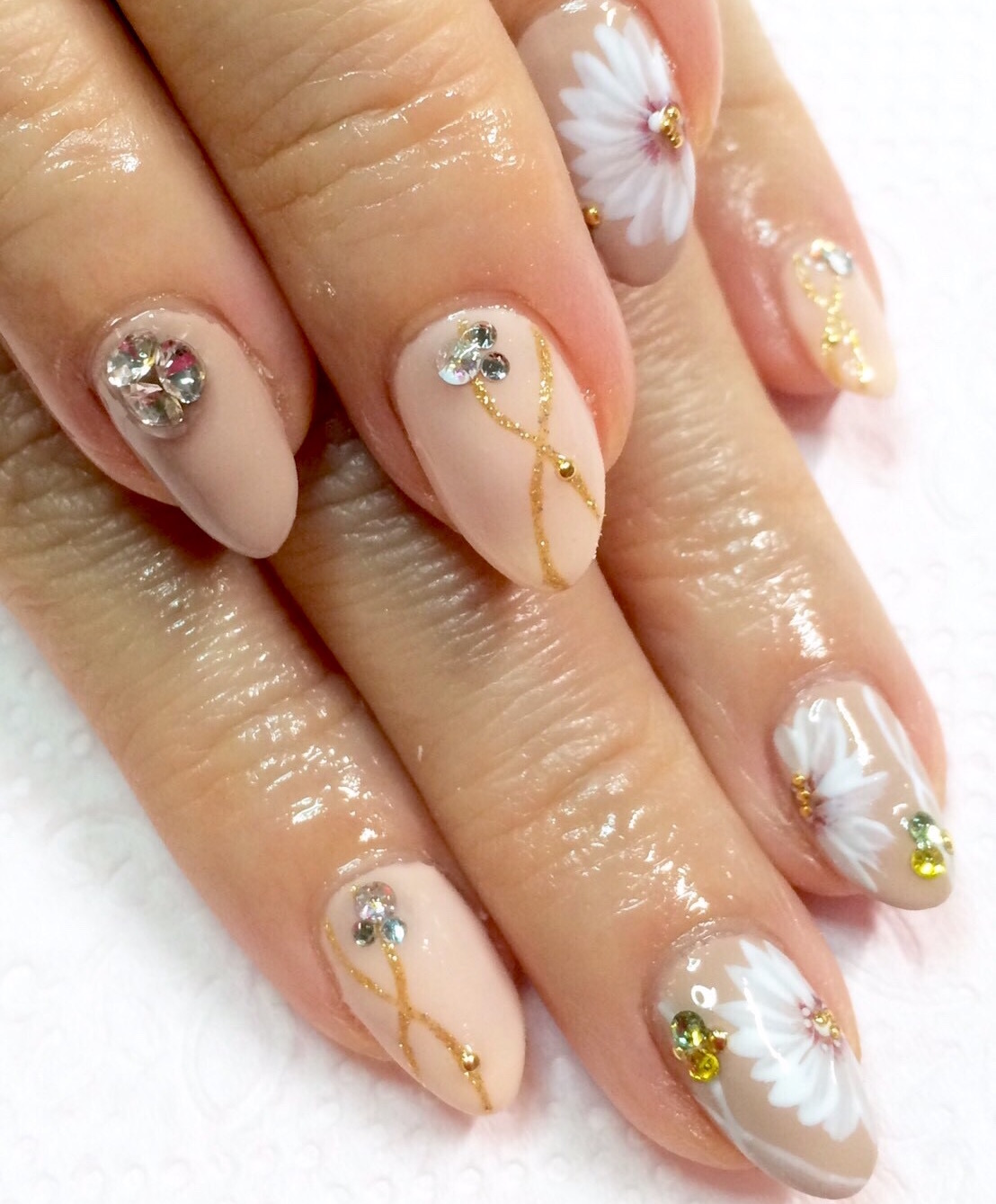 Japanese Gel Nail design : Nude