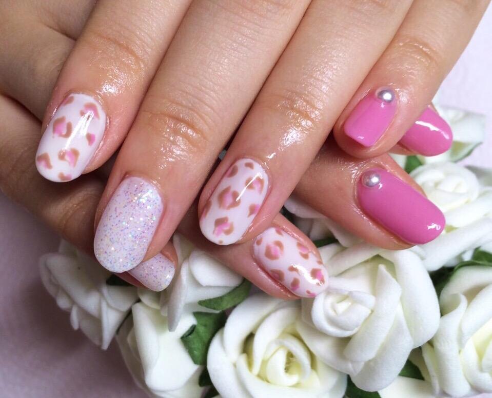 Gel Nail design : Pink Lopard | Eye Studio Tokyo